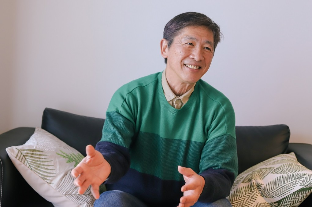 photo of ide-san spreading his hands